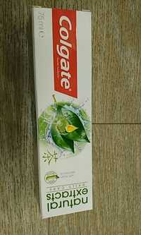 COLGATE - Natural extracts - Daily care