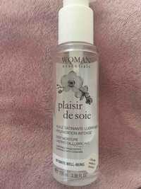 WOMAN ESSENTIALS - Plaisir de soie - Huile satinante lubrifiante
