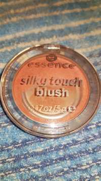 Essence - Silky touch blush