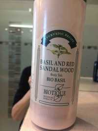 Biotique - Basil and red sandal wood - Body talc