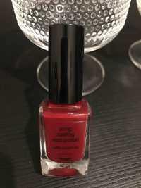 Hema - Long lasting nail polish