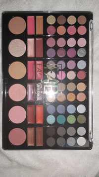 FAB FACTORY - Eyeshadow - Lipgloss - Pressed powder - Blush