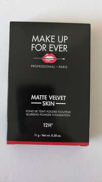 MAKE UP FOR EVER - Matte velvet skin - Fond de teint poudre flouteur