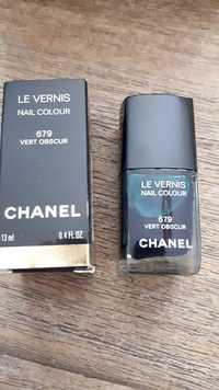 Chanel - Le vernis 679 vert obscur