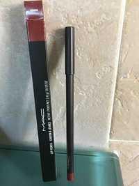M.A.C - Crayon à lèvres