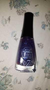 Fashion make up - Nail polish paillettes