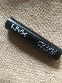 NYX - Mineral stick fondation light medium 04
